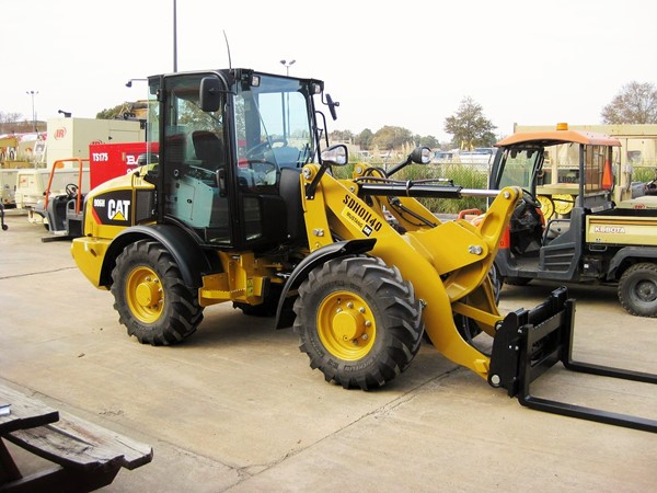 906 Wheeler Loader.JPG